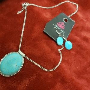 Blue crackled necklace with earings